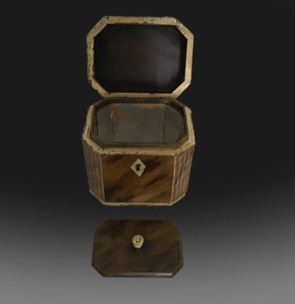 George III octagonal tea caddy open