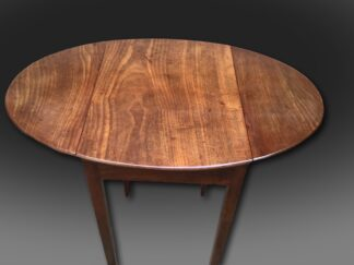 A really, really small George III mahogany oval Pembroke table open